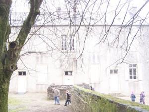 Notre sortie à Trévargan à l'école d'autrefois... dans CP-CE1 (2011/2012) ancienne-%C3%A9cole-300x225