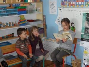 Ma lecture en Petite Section dans CP-CE1 (2011/2012) La-chaise-bleue-300x225